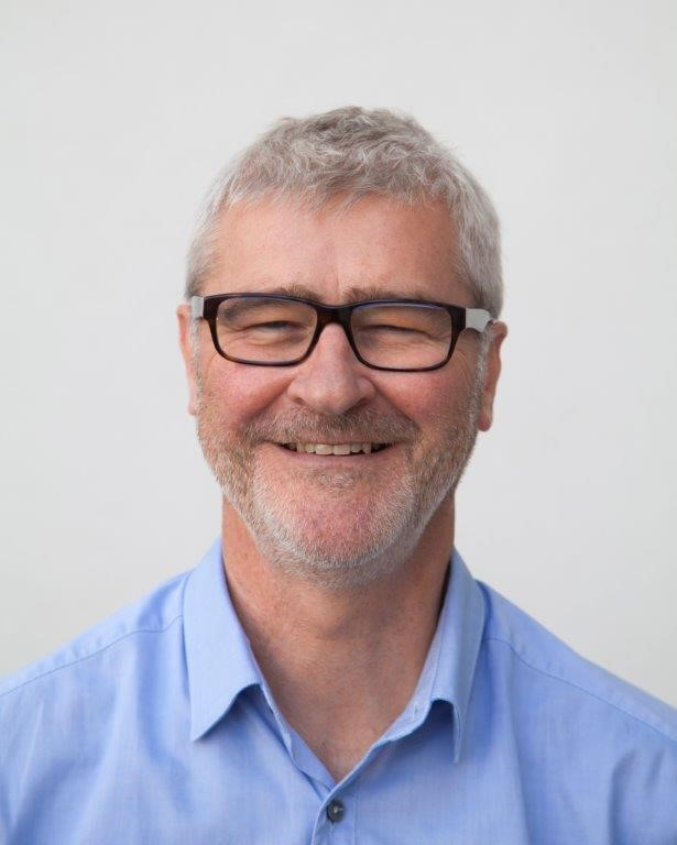 Dr Ronan McIvor