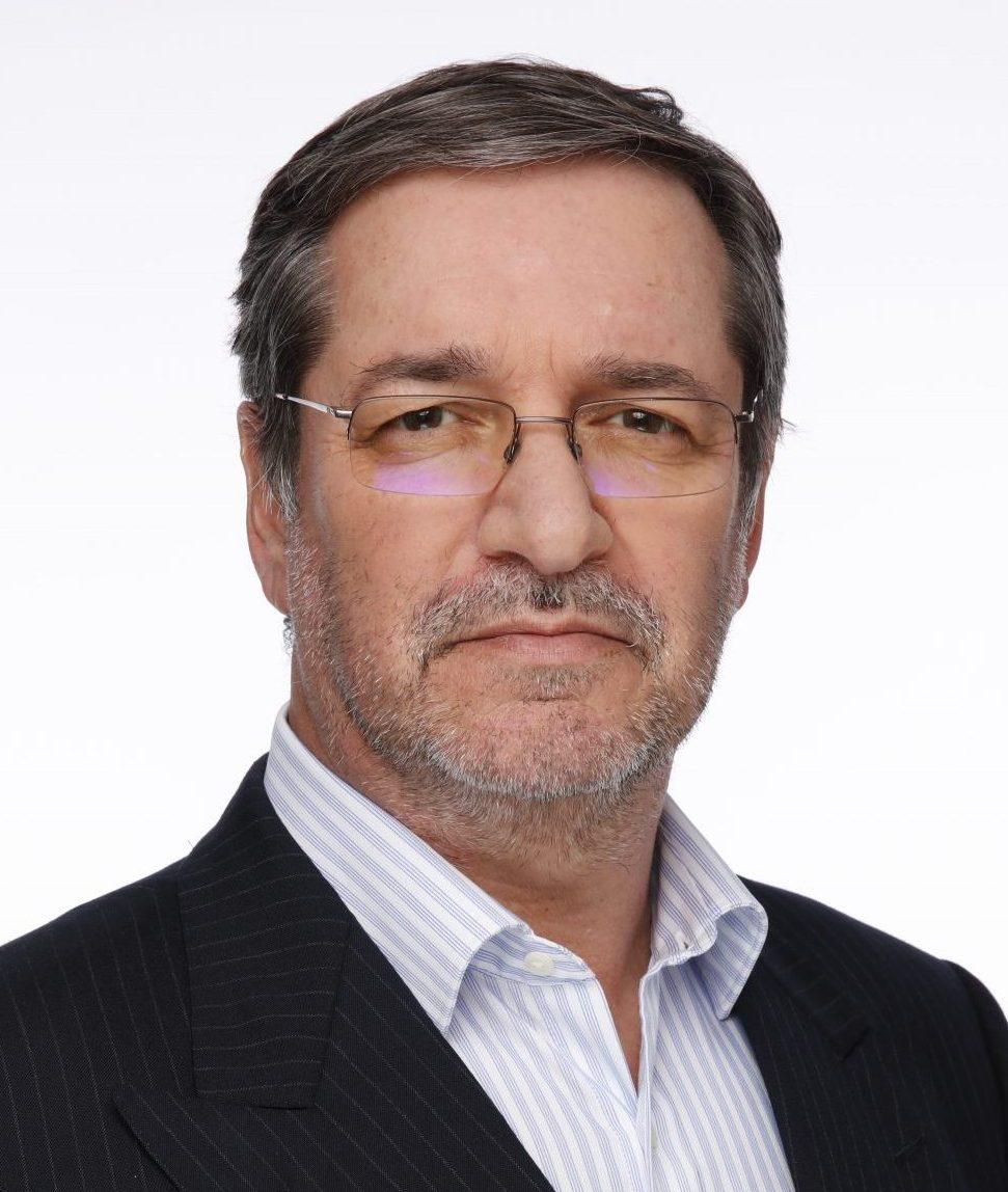 Dr Oscar D'Agnone